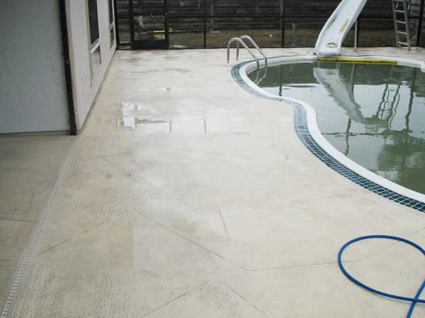 pool deck cleaning
